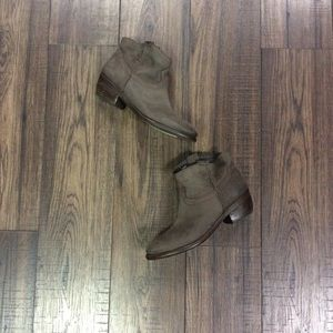 Distressed Dina Ankle Boots